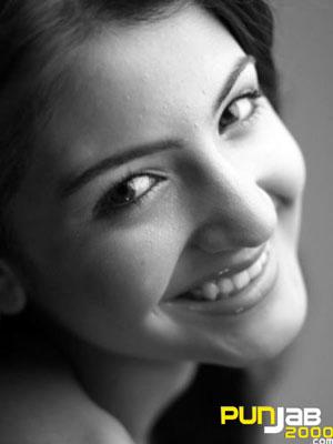 Anushka Sharma In Her Debut Film Rab Ne Bana Di Jodi