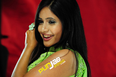 Miss Pooja teams up with DJ H & Rags for her first UK video - Reloaded