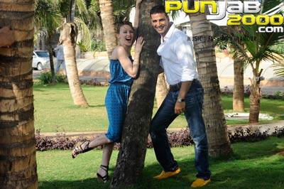 Kylie Minogue, A.R. Rahman & Akshay Kumar collaborate for Bollywood debut!