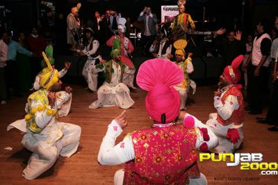 Gabhru Punjab De Bhangra dancers at Kaka Bhaniawala fundraiser (part 2)