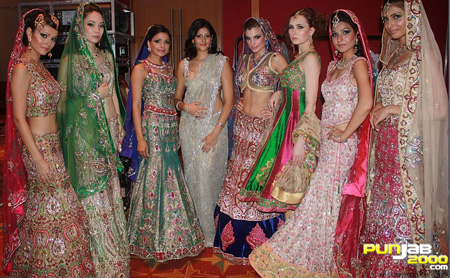 Ekta Solanki wins Collection of the Year at this Year's International Asian Fashion Awards