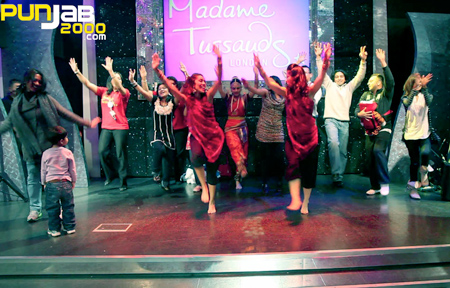 Madame Tussauds dancing group