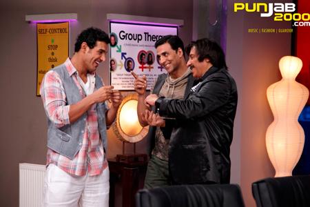 Smash-Hit Housefull 2 Marks Bollywood Superstar Akshay Kumar's Biggest Film Opener to Date