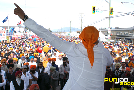 Jaz Dhami Performs to crowd of 200,000