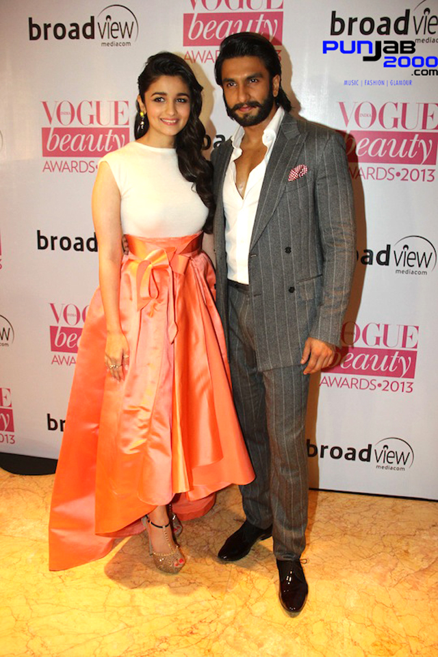 Alia-Bhatt-And-Ranveer-Singh-Vogue-awards2013