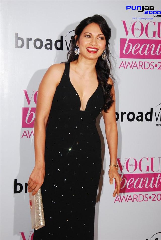 Evelyn-Sharma-Vogue-Beauty-Awards-2013