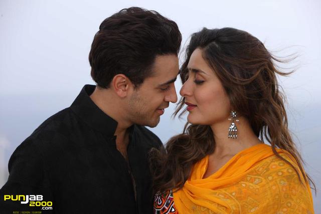 Imran Khan & Kareena Kapoor in Gori Tere Pyar Mein
