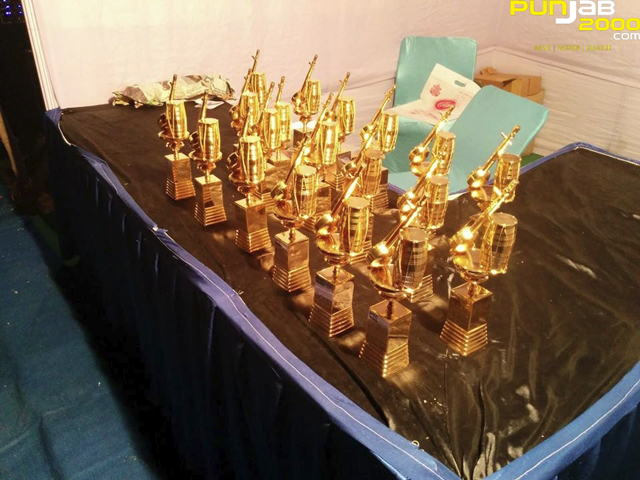 PTC-Punjabi-Music-Awards-2014-Tropheys