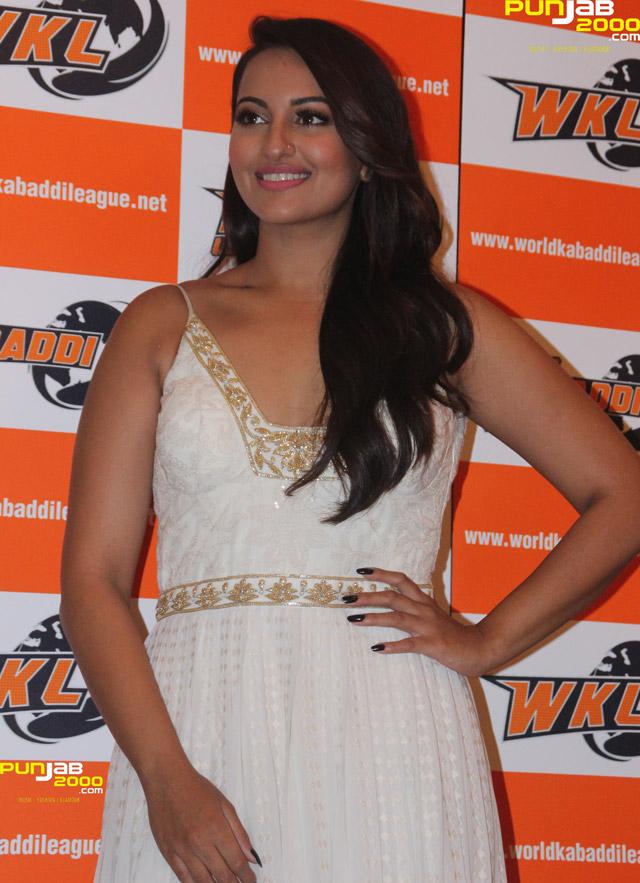 Sonakshi-Sinha-WKL1