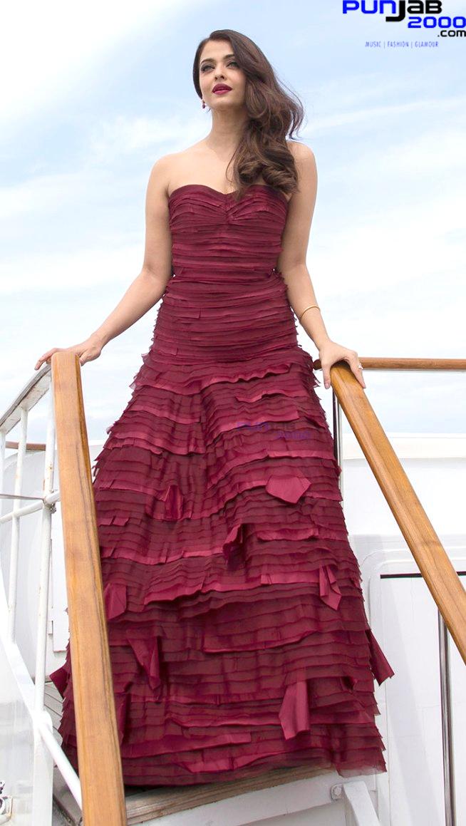 Aishwaria-Rai_Red-Dress