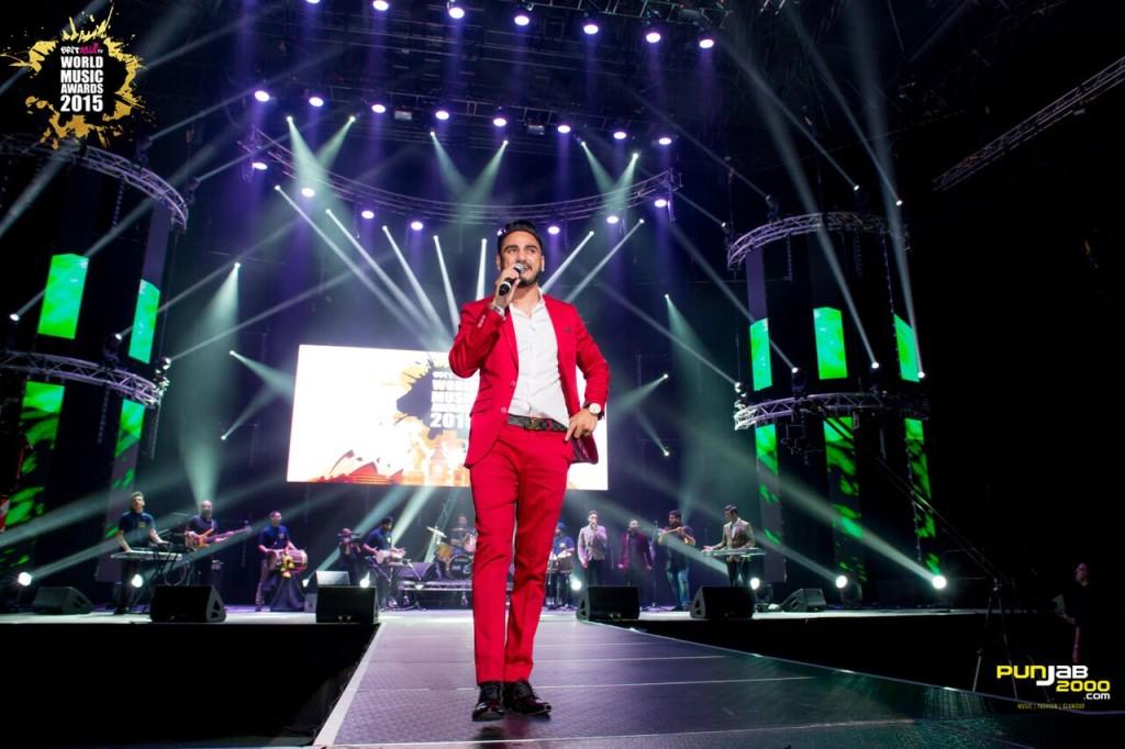 Kulwinder Billa performing at BritAsia TV World Music Awards 2015