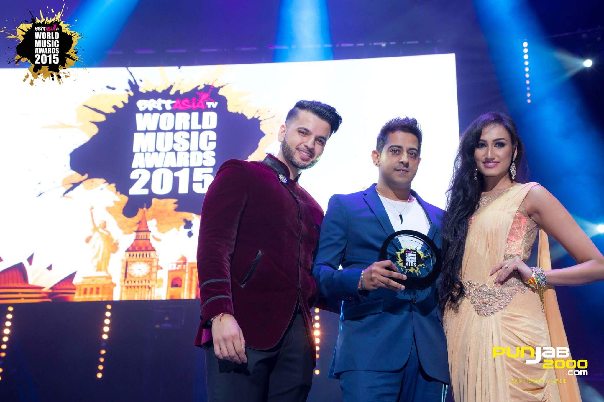 DJ Vix winning best album at BritAsia TV World Music Awards 2015