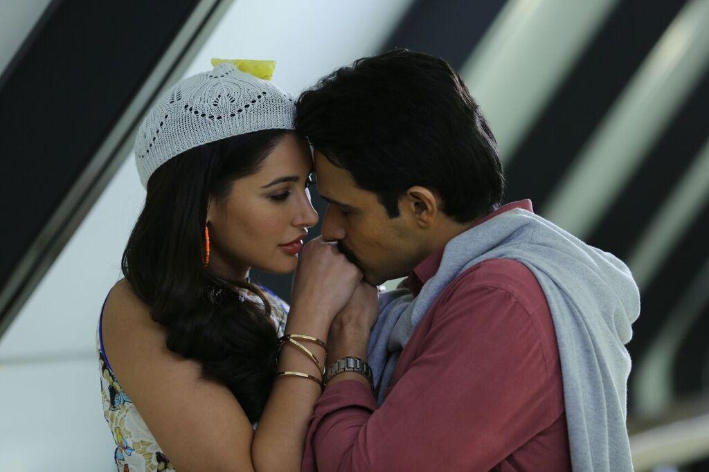 Nargis Fakhri and Emraan Hashmi as Sangeeta Bijlani & Mohammad Azharuddin in Azhar