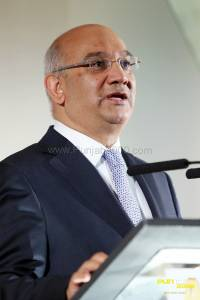 Rt. Hon Keith Vaz MP speaks at the Asian Business Awards Midlands (2)