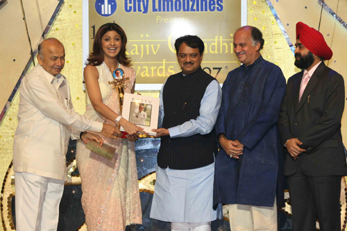 Shilpa Shetty recognised for propelling India's advancement with the Rajiv Gandhi Award