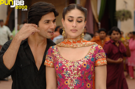 Shahid Kapur & Kareena Kapoor in Jab We Met