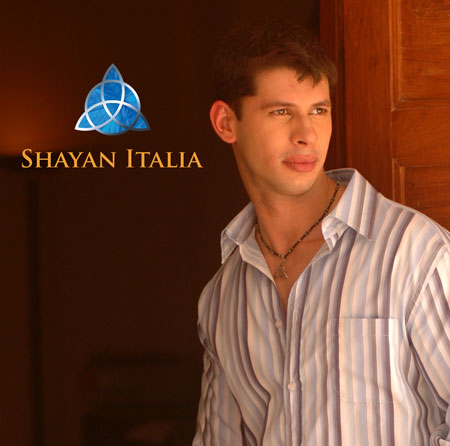 Internationally acclaimed singer/ songwriter, Shayan Italia