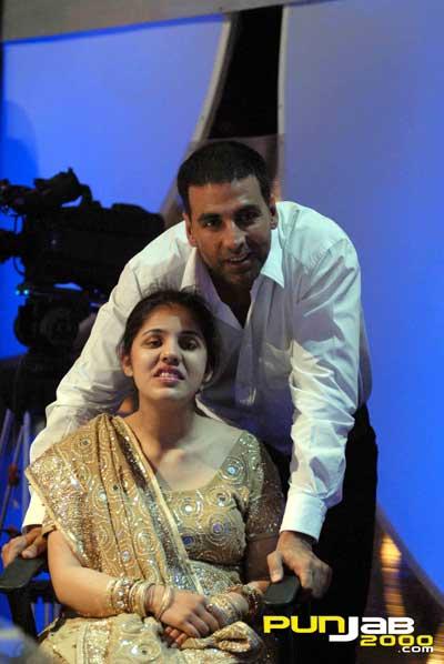 Akshay Kumar & Tejaswarni