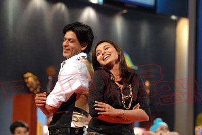 Rani Mukerjee & ShahRukh Khan  in Kya Aap Paanchvi Pass Se Tez Hain?