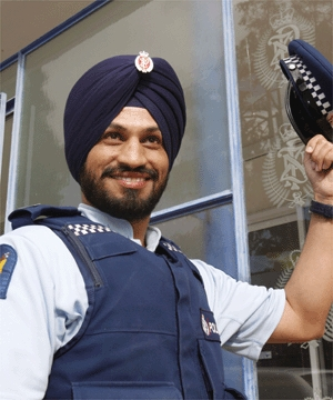 Jagmohan Singh Malhi becomes first turbaned cop in New Zealand