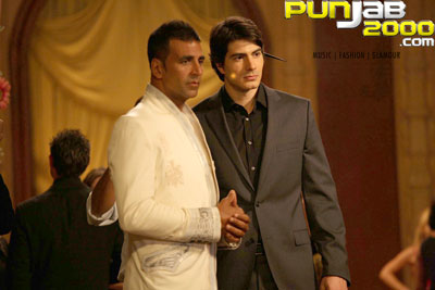 Akshay Kumar And Brandon Routh