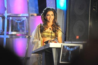 Deepika Padukone, creates wow factor at Lakme Fashion Week