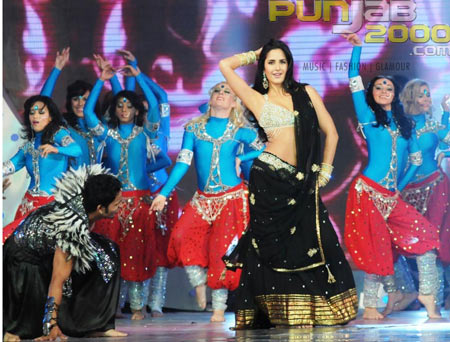 Katrina Kaif perfoming at IPL Awards