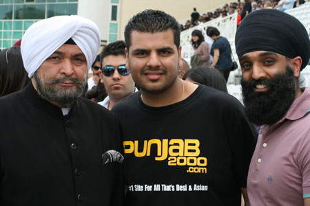 The Legendary Rishi Kapoor With Uppi And Tony Bains On Location for the Making Of Patiala House