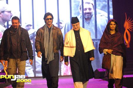 Sanjay Dutt Kunal Kapoor Anupam Kher and Bipasha Basu at the IIFA Fashion Extravaganza 2010