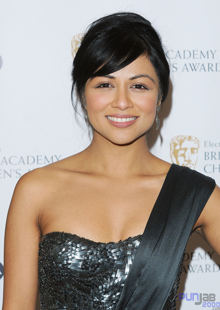 STUNNING KAREN DAVID LIGHTS UP BAFTA RED CARPET