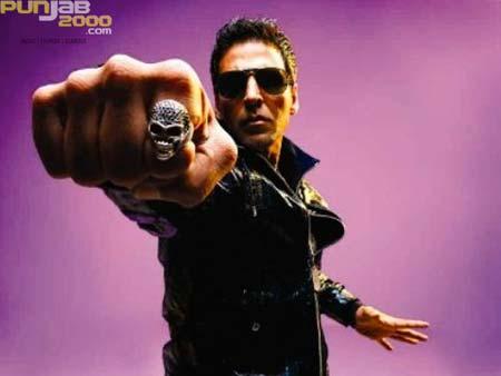 """Ruff & Tuff "" Akshay Kumar lends his macho voice for Khatron ke Khiladi Season 4 title track!"