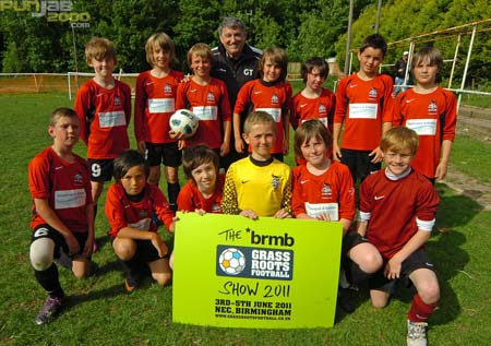 Knowle FC Get Visit from Former England Manager