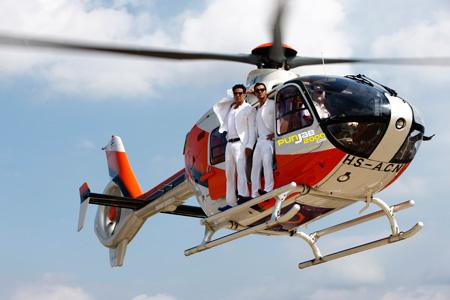 Akshay Kumar & John Abraham's dangerous chopper stunt for Desi Boyz!