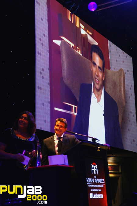 Akshay Kumar honoured with the Outstanding Achievement in Cinema Accolade at The Asian Awards 2011