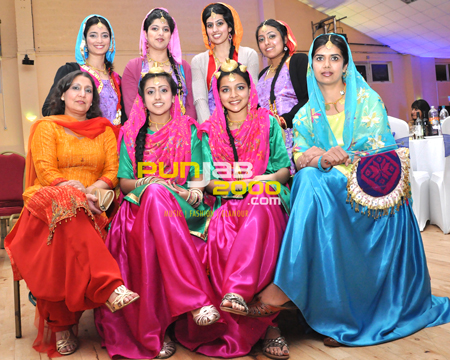Dhamak Punjabna Di performance at Bhangra Wars 2011