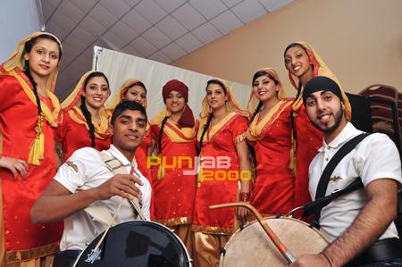 Miss Punjabeez. performance at Bhangra Wars 2011