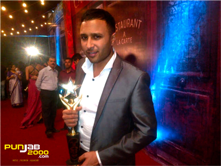 ASH KING WINS STARDUST BOLLYWOOD AWARD!