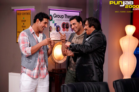 Bollywood Sensation Akshay Kumar Has His Hands Full With Action Comedy Film of the Year Housefull 2,