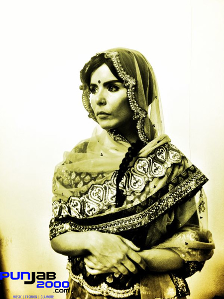 Paloma Faith wears Anokhi House of Sarees outfit in 'Black & Blue'.