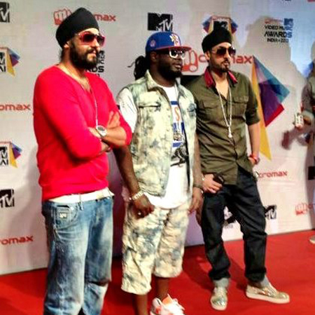 RDB and T-Pain Perform at first MTV Video Music Awards in India