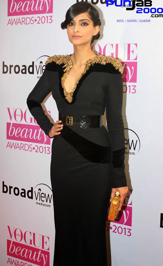 Sonam-Kapoor-Vogue-Beauty-Awards-2013