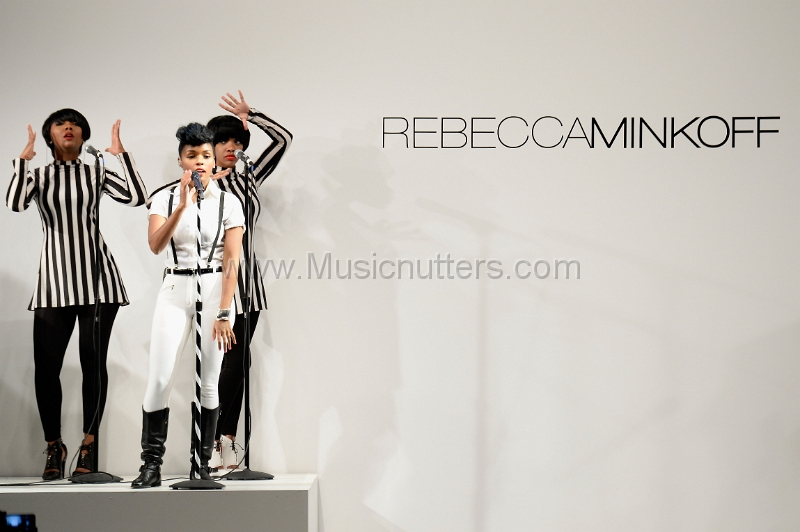 Mercedes Benz Fashion Week New York 2013 (148)