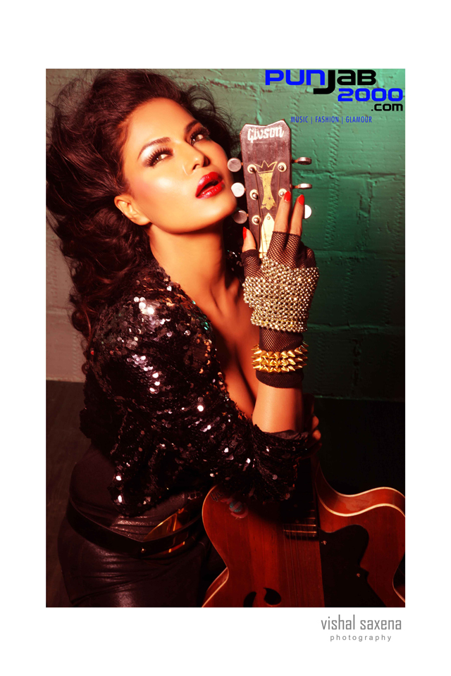 BOLLYWOOD ACTRESS VEENA MALIK IS BACK WITH HER SECOND SINGLE RUM RUM PRODUCED BY ISHQ BECTOR