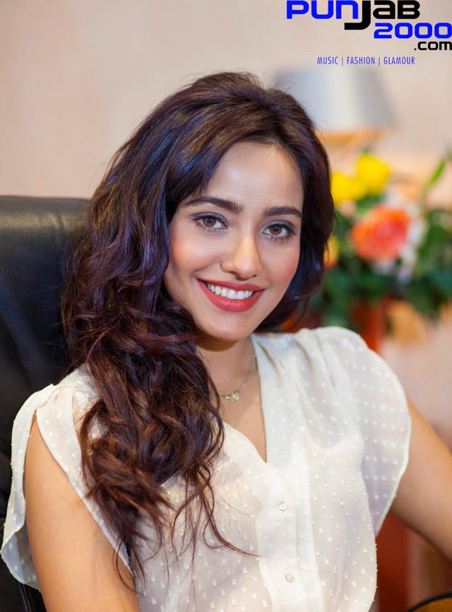 Punjab2000.com interview with Neha Sharma by Upinder Randhawa on Yamla Pagla Deewana 2 (YPD2)