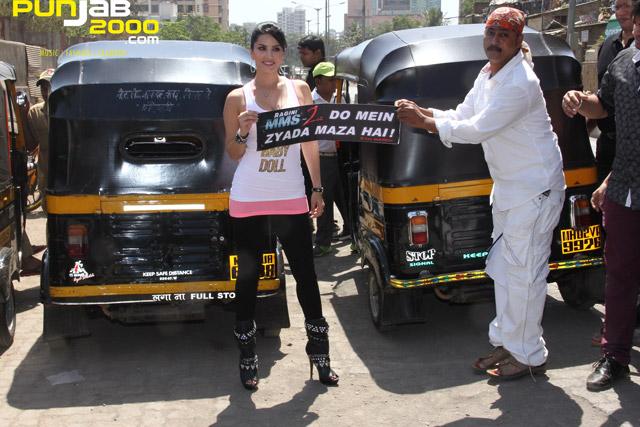 Sunny-Leone-Auto-Rickshaw-1