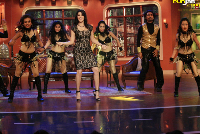 Sunny-Leone-Dancing-On-Comedy-Night-with-Kapil