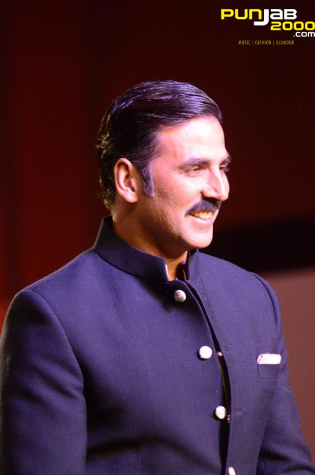 Akshay-Kumar-at-Mijwan-4
