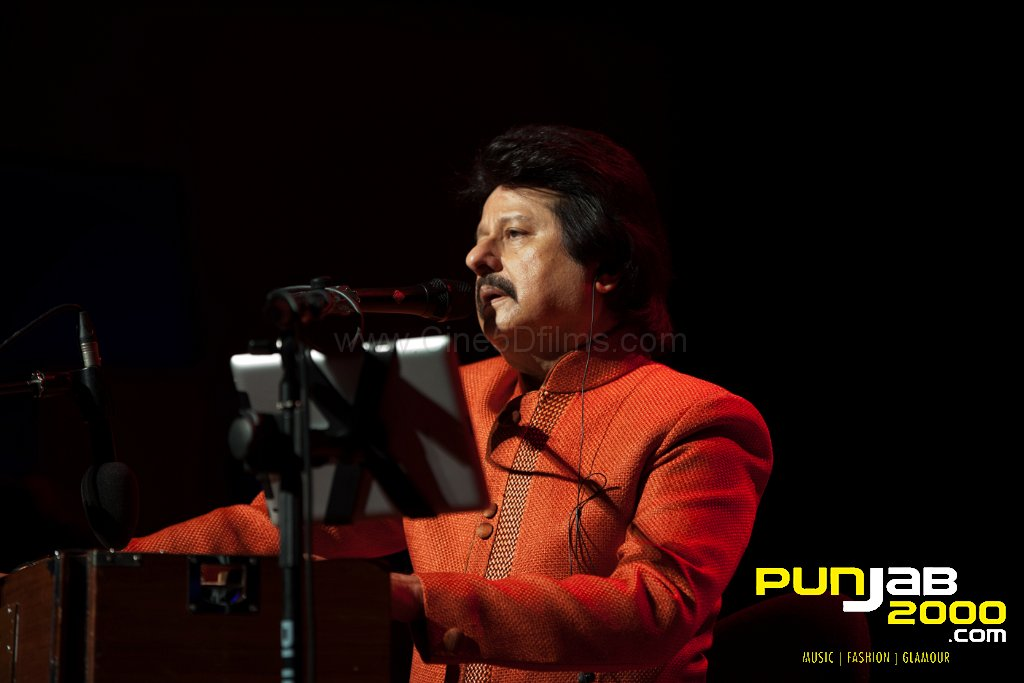 Pankaj Udhas at De Montfort Hall.