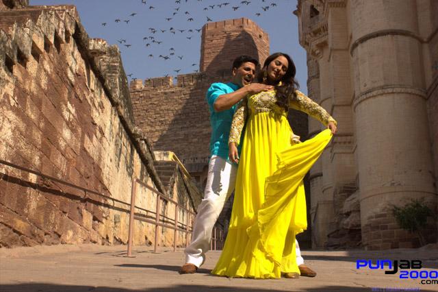 Akshay-Kumar--Sonakshi-Sinha-Holiday-(2)