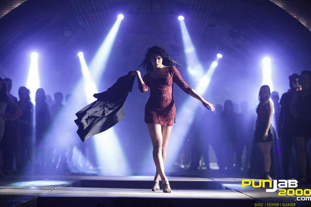 Jacqueline-Fernandez--Kick-2